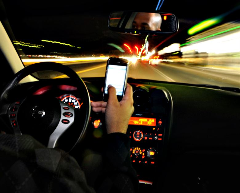Look - No Hands! Hands-Free Driving Laws explored by Biology of Technology
